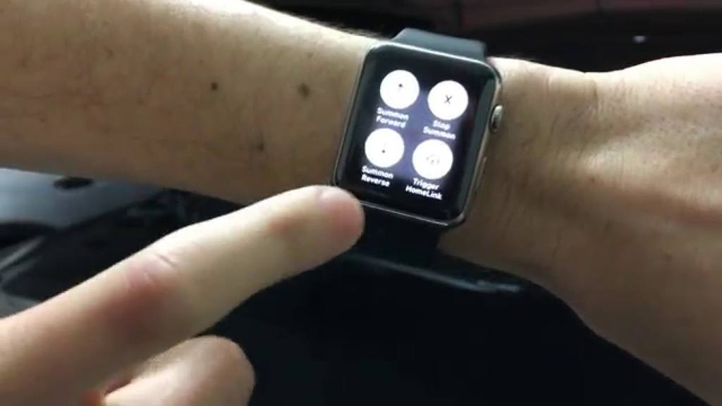 Tesla Owner Summons Model S With Apple Watch
