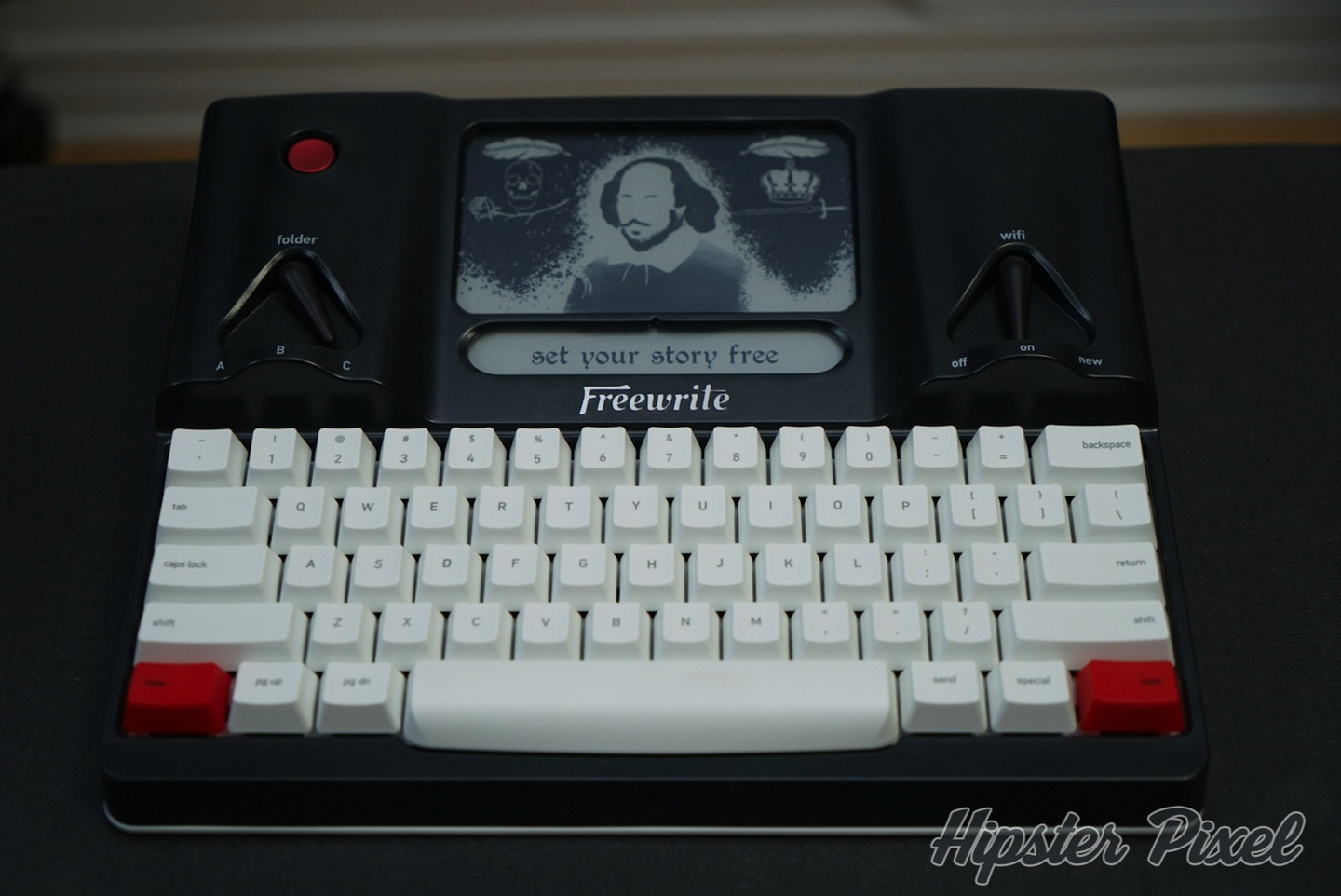 Freewrite, a Mechanical Connected Typewriter [Review]