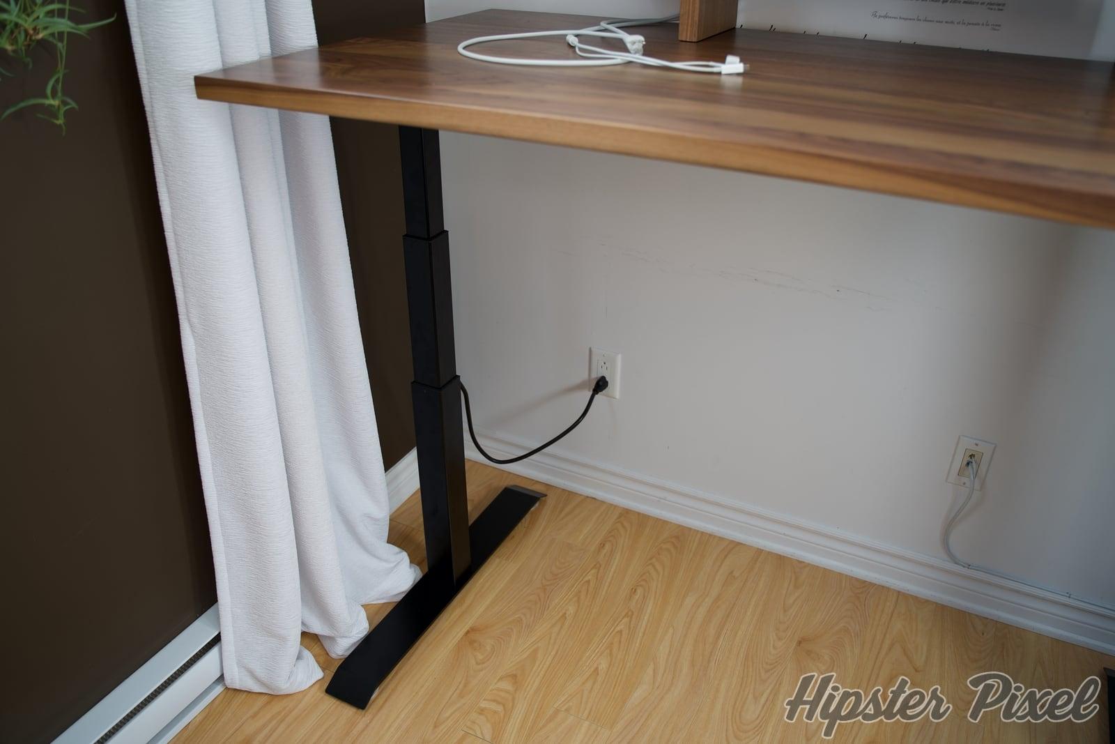 ergonofis sway sit stand desk review 017 c - ergonofis Sway, un bureau assis-debout en noyer massif avec du panache [Test]