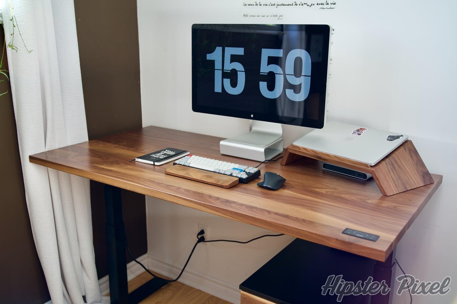 ergonofis sway sit stand desk review 035 c - ergonofis Sway, un bureau assis-debout en noyer massif avec du panache [Test]