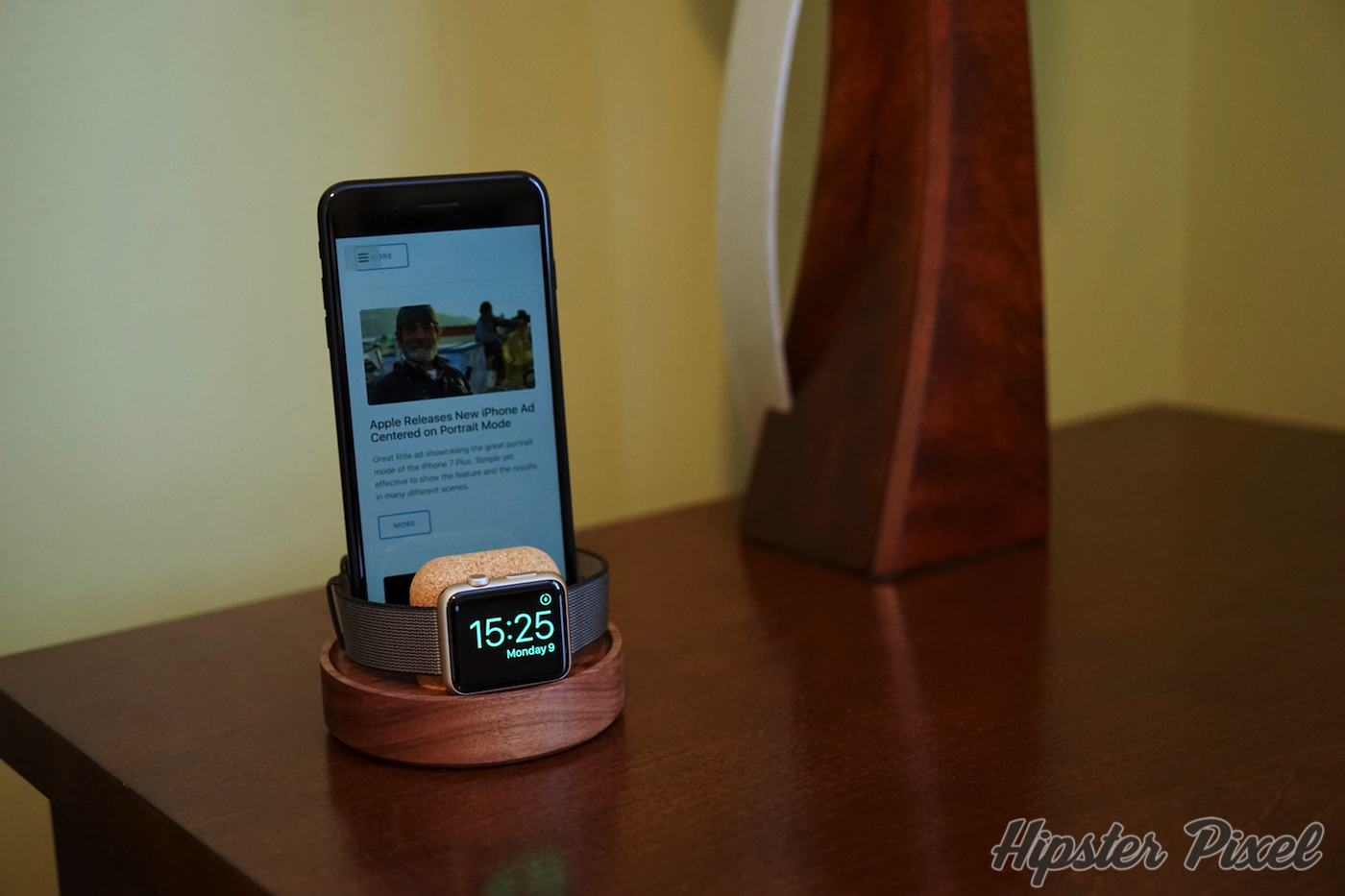 Material Dock for iPhone and  Watch Review