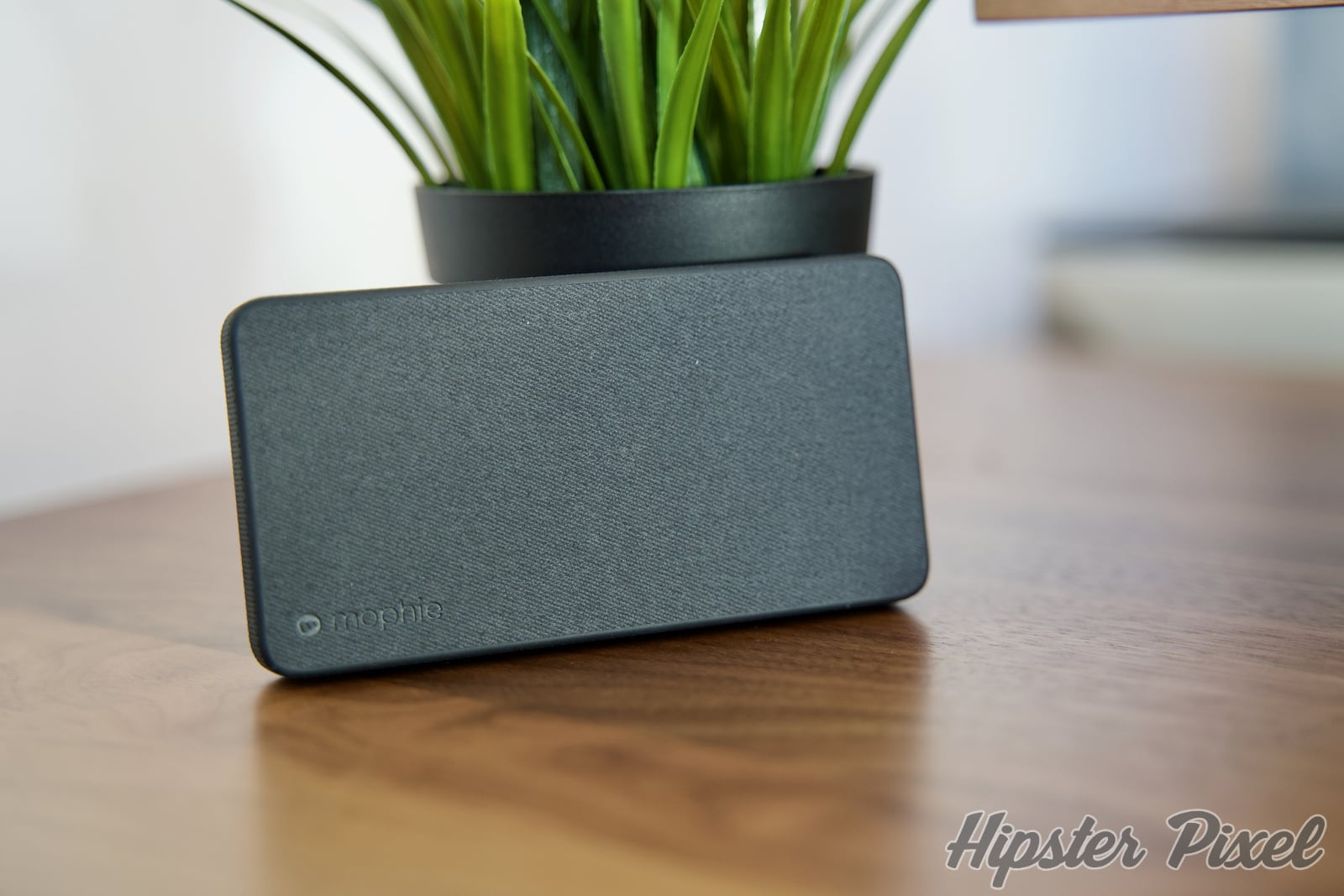 Mophie Powerstation With PD and Lightning Input Battery Bank [Review]