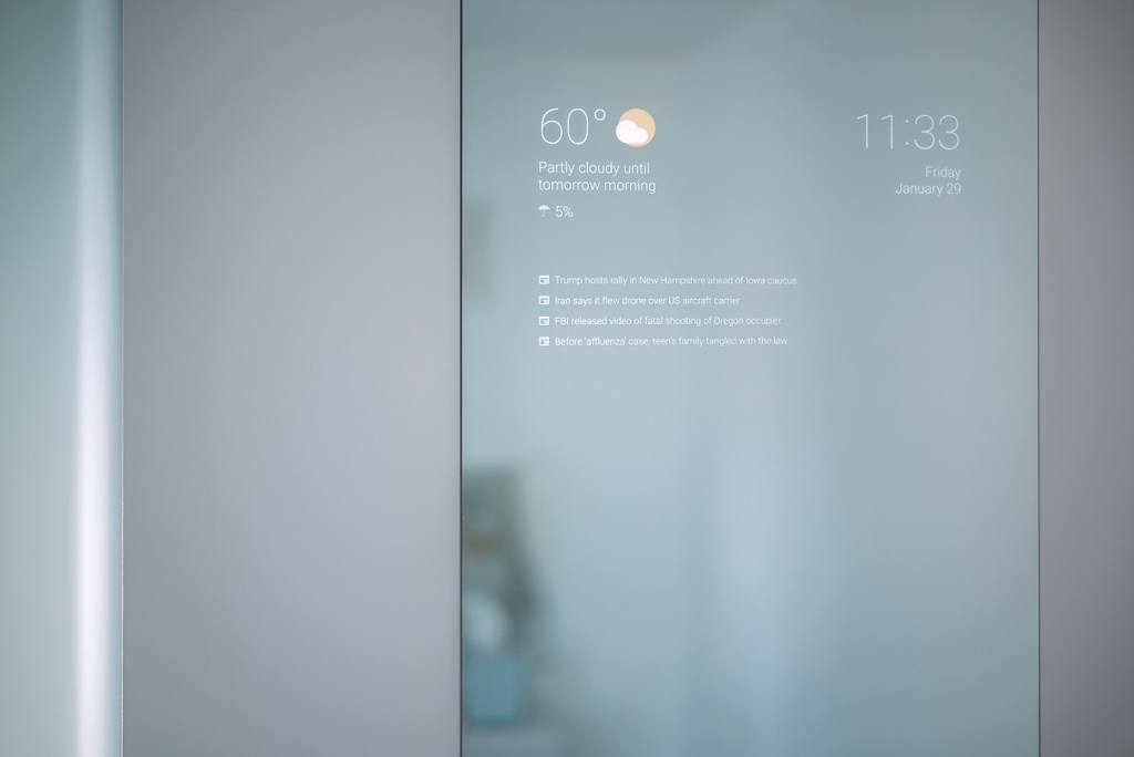 Connected mirror powered by an Amazon Fire Stick